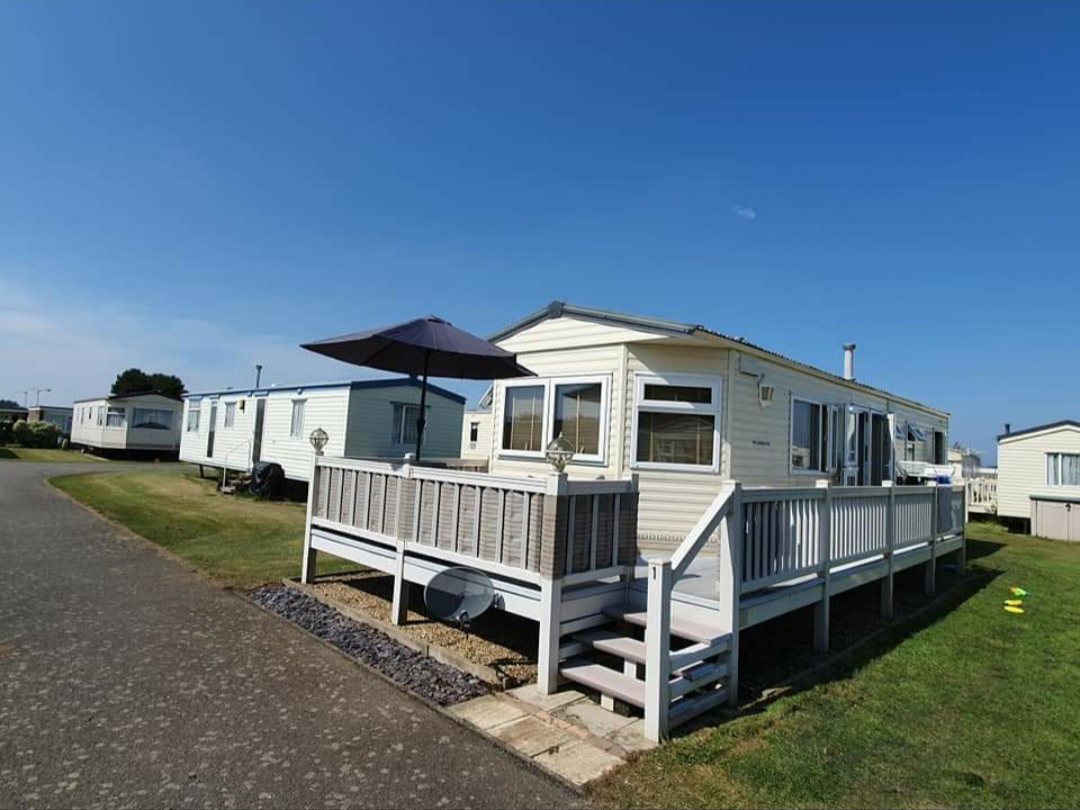 CHALET HOLIDAYS IN HEMSBY